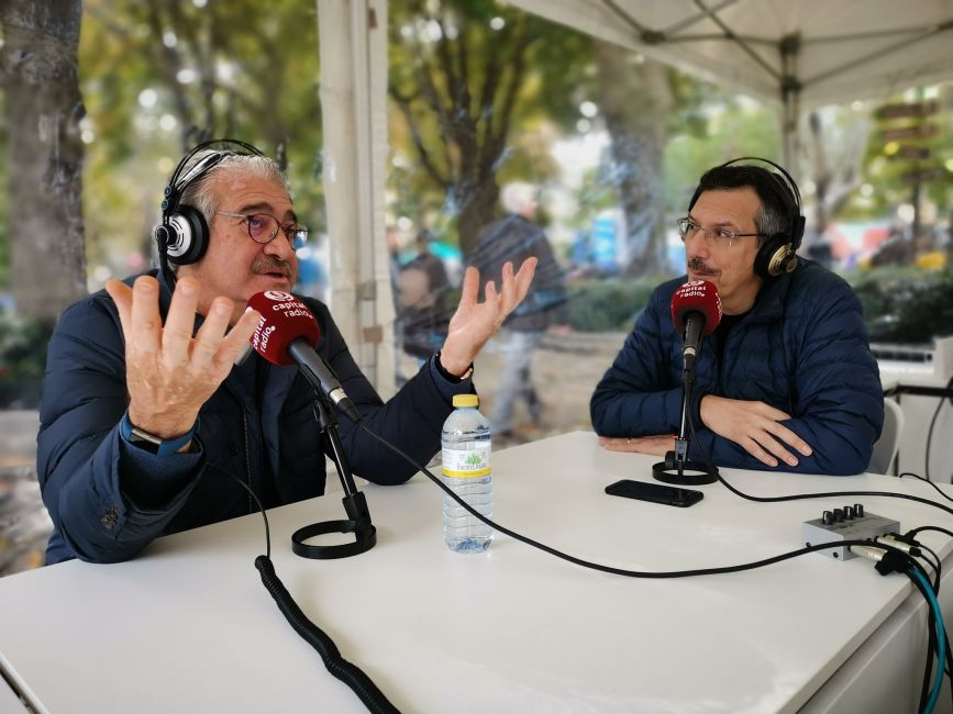 José Bogas, consejero delegado de Endesa, con Luis Vicente Muñoz en el estudio improvisado de la Plaza de Murillo