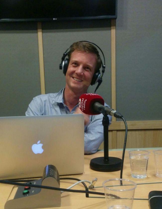 jean-derely-rompiendo-reglas-capital-radio-estudio